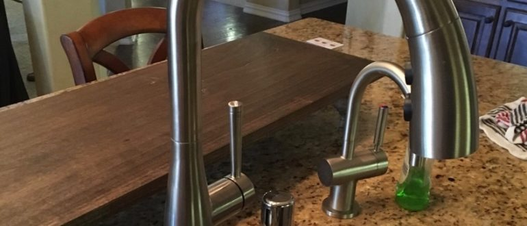 what to look for in a new kitchen faucet plumbing dynamics rh plumbingdynamicsdallas com what to look for in a quality kitchen faucet what to look for in a good kitchen faucet